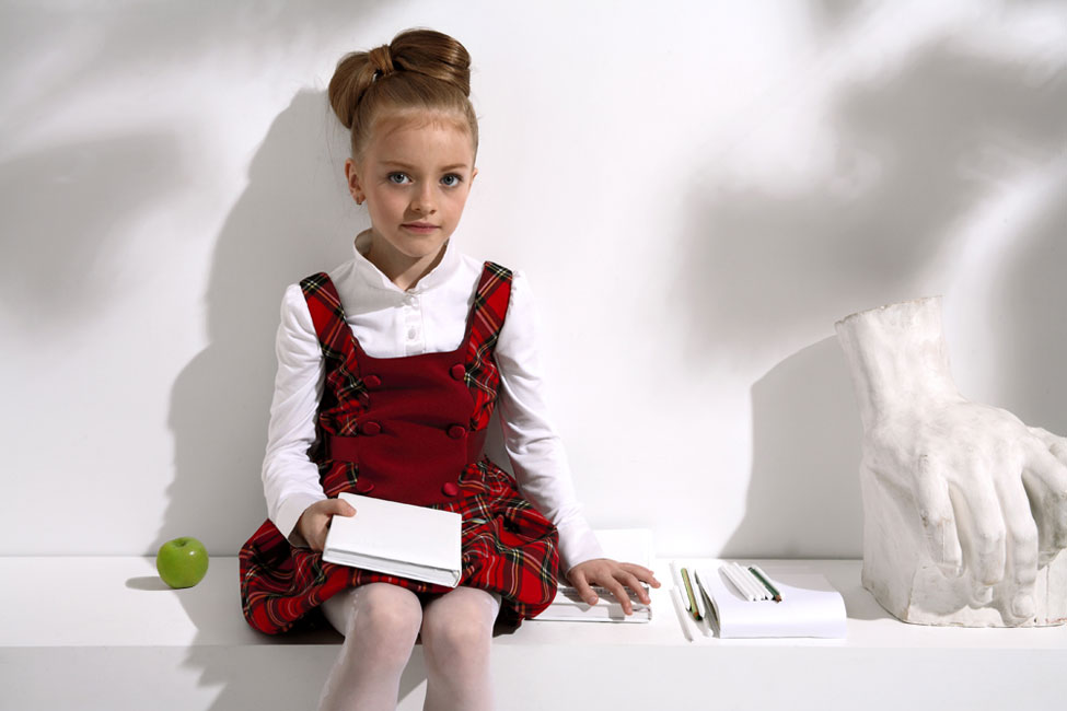 Современным школьницам любого возраста повезло - даже повседневная одежда для занятий выдержана в модных тонах